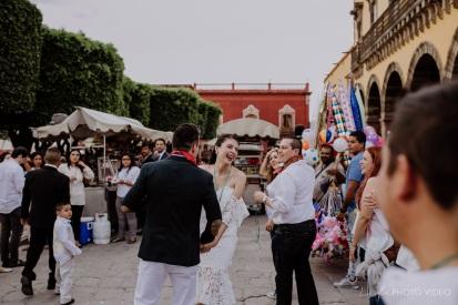 MARCE+JORGE // CALLEJONEADA in San Miguel deAllende